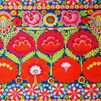 Tissu à fleurs aux accents bohèmes Free Spirit Embroid flower border red par Kaffe Fassett