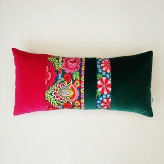 coussin createur floral et coloré tissu Kaffe Fassett