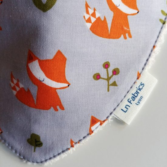 bavoir bandana bavette bavoir foulard animaux coton imprimé renards Dashwood studio walk in the woods 1563