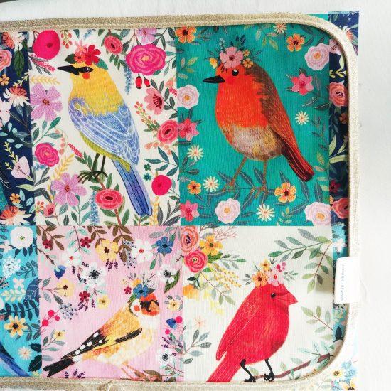 tissus créateurs cotons imprimés Birdie de Mia Charro pour Blend Fabrics idéal pour la couture créative patchwork et diy