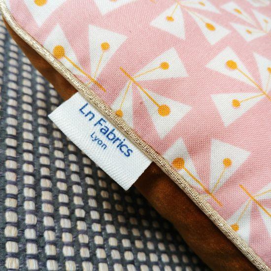 coussin createur Ln Fabrics velours haut de gamme et conton imprimé Dashwood studio