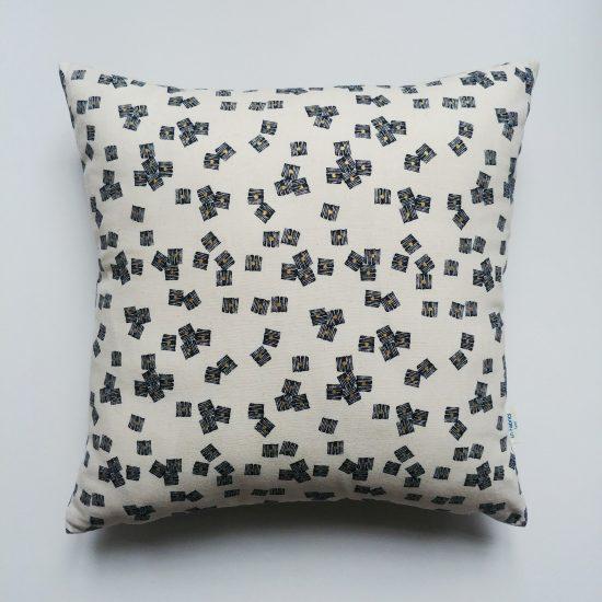coussin créateur Ln Fabrics lin coton imprimé Midnight Garden Dashwood studio