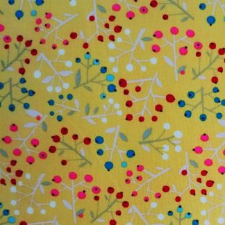 coton imprimé Walk in the Woods Dashwood studio motif floral sur fond or jaune