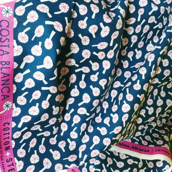 Coton imprimé Costa Blanca Cotton and Steel idéal pour la couture, loisirs créatifs et le patchwork