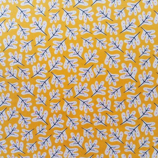 tissu coton imprimé Lost treasure Dashwood studio feuillage et fleurs sur fond couleur jaune safran