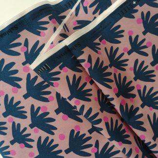 Coton imprimé Find Me Ibiza Cotton and Steel idéal pour la couture, les loisirs créatifs et le patchwork