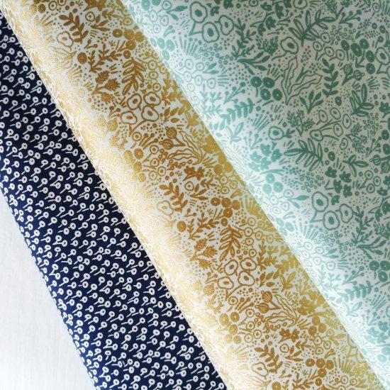 Coton imprimé fleurs Cotton and Steel, comme du liberty idéal pour la couture, loisirs créatifs et le patchwork