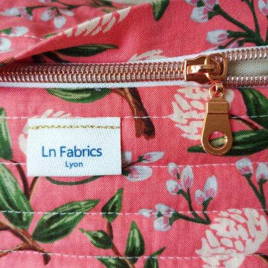 Vanity tissu imprimé fleurs rifle Paper Co, coton matelassé