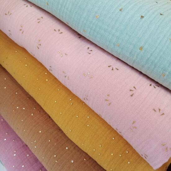 très tendance la double gaze Oeko-Tex imprimée pois dorés émeraude, bleu canard, bleu indigo, rose pâle, vert menthe, parfait pour la couture créative
