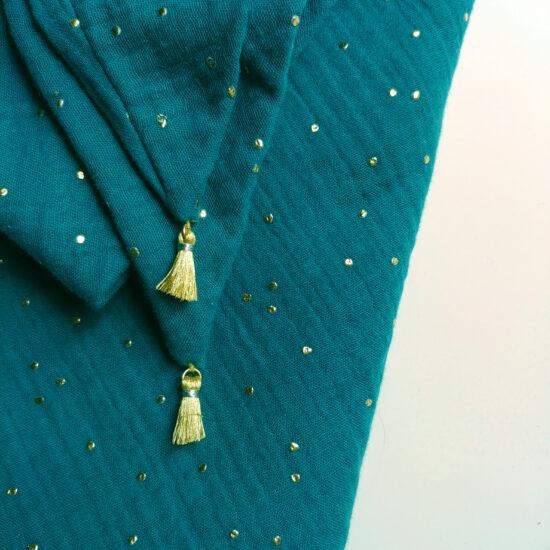 chèche en double gaze de coton imprimée bleu paon pois dorés