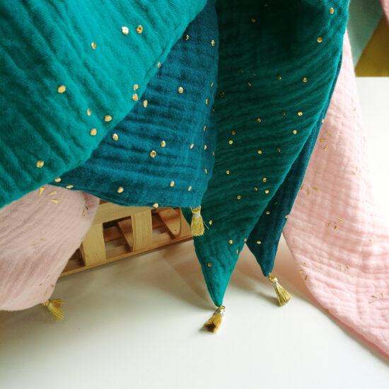 accessoire de l'été chèche en double gaze de coton imprimée pois dorés