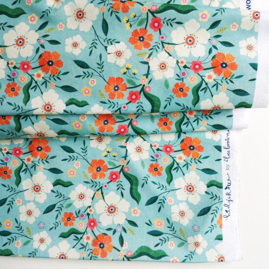 Tissu en coton imprimé Bee Brown pour Dashwood Studio, motifs floraux colorés et gais pour illuminer ce nouveau printemps