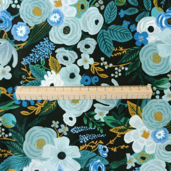 Tissu coton imprimé Rifle Paper Co Garden Party fleurs bleues, turquoise, émeraude, ciel, gris bleu